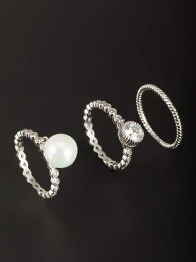A Platinum Plated Copper Stylish Pearl Ring Of Round  Combination of the ring