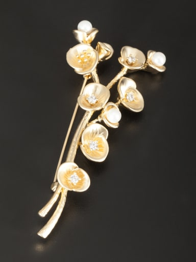 White color Gold Plated Flower Pearl Lapel Pins & Brooche