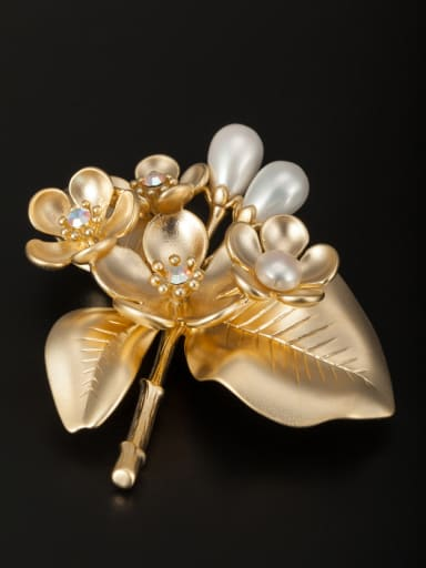 Custom White Flower Lapel Pins & Brooche with Gold Plated