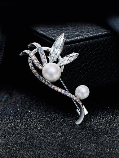 2018 2018 Flower-shaped Pearl Brooch