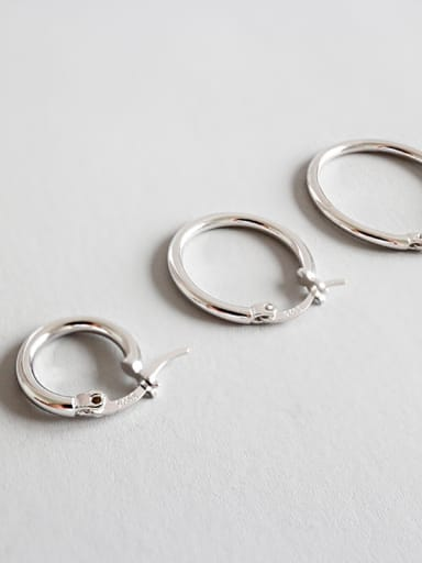 Sterling Silver simple personality Circle Earrings (multiple sizes)