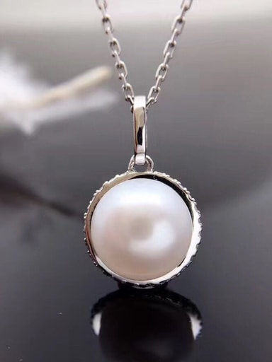 Simple Oblate Freshwater Pearl Necklace