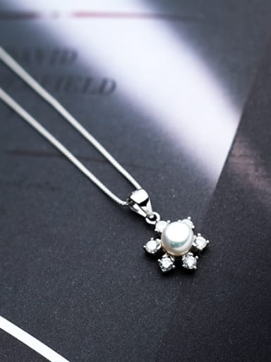 Fashionable Flower Shaped Artificial Pearl S925 Silver Pendant