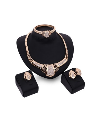 2018 2018 2018 Alloy Imitation-gold Plated Vintage style Rhinestones Hollow Four Pieces Jewelry Set