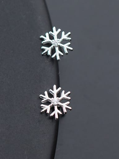 Christmas jewelry: Sterling Silver Snowflake studs earring