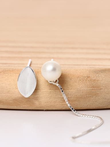 Asymmetrical Little Leaf Freshwater Pearl 925 Silver Stud Earrings