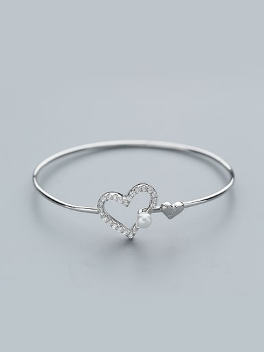 Elegant Hollow Heart Cubic Zirconias Shell Pearl 925 Silver Bangle