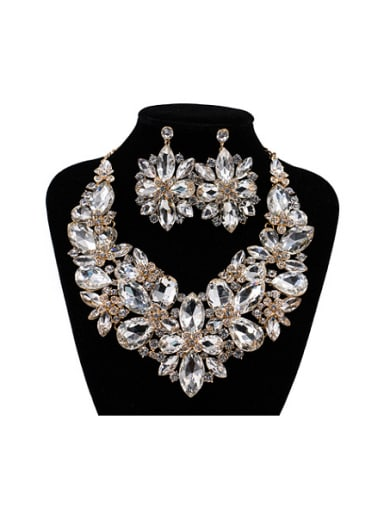 2018 Exaggerated Flower Glass Rhinestones Two Pieces Jewelry Set