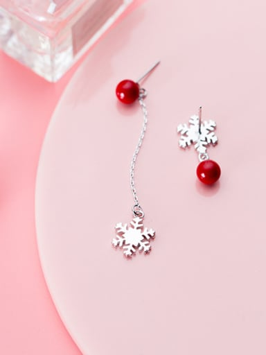 Christmas jewelry: Sterling Silver Snowflake synthetic pearl asymmetrical eardrop