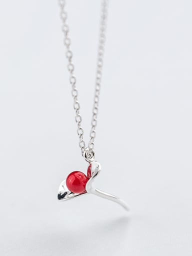 Fresh Leaf Shaped Red Artificial Pearl S925 Silver Necklace