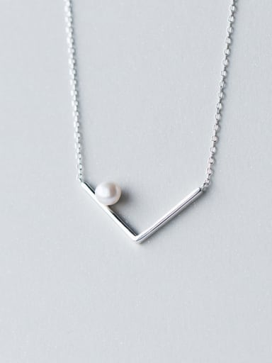 Women Creative Letter V Shaped Artificial Pearl Necklace