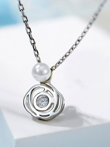 Simple Flower Artificial Pearl Pendant 925 Silver Necklace
