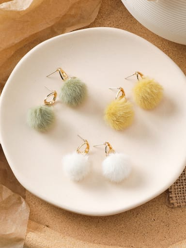 Alloy With Imitation Gold Plated Cute Round Plush ball Clip On Earrings