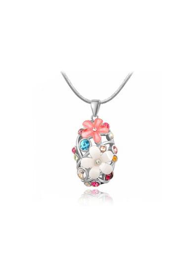 Fashionable Flower Shaped Rhinestone Necklace