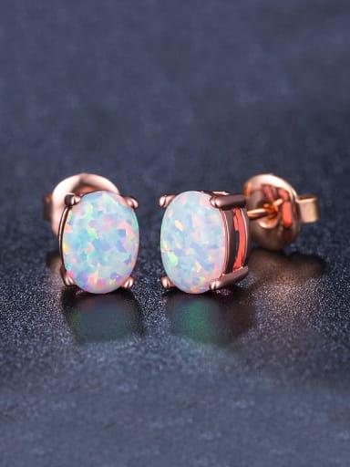 Oval-shaped stud Earring