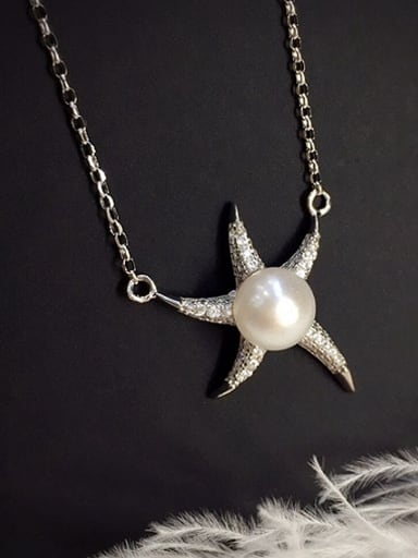 Fashion Starfish Freshwater Pearl Necklace