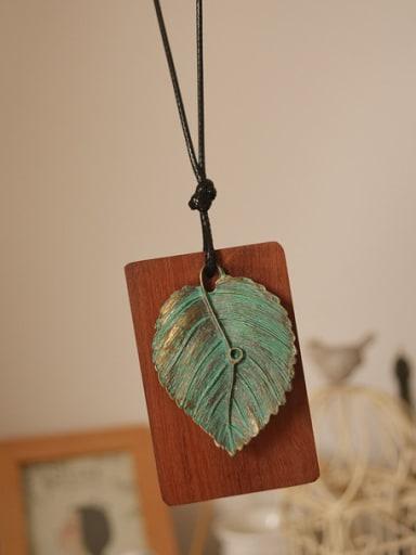 Unisex Green Leaf Shaped Necklace