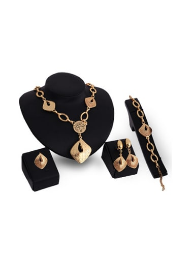 2018 2018 2018 Alloy Imitation-gold Plated Vintage style Hollow Four Pieces Jewelry Set
