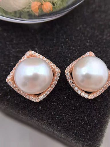 Simple Freshwater Pearl Square stud Earring