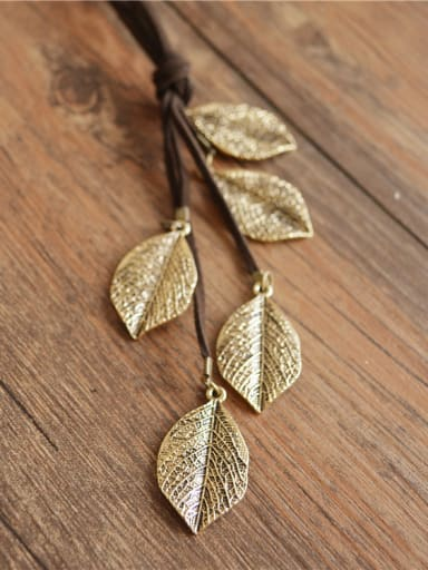Retro Style Leaf Shaped Necklace