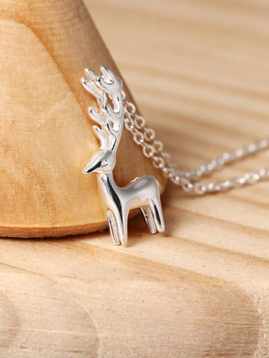 Lovely Deer Pendant Clavicle Necklace