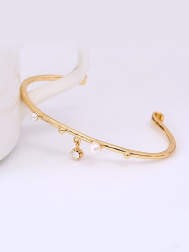 Women Open Design Artificial Pearl Bangle
