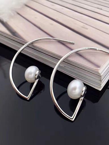Simple Freshwater Pearl Back stud Earring