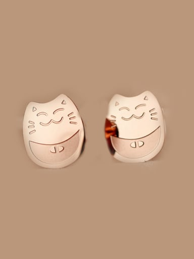 Lucky Cat Smooth Stud Earrings
