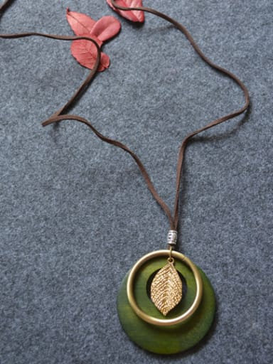 Women Wooden Round Shaped Necklace