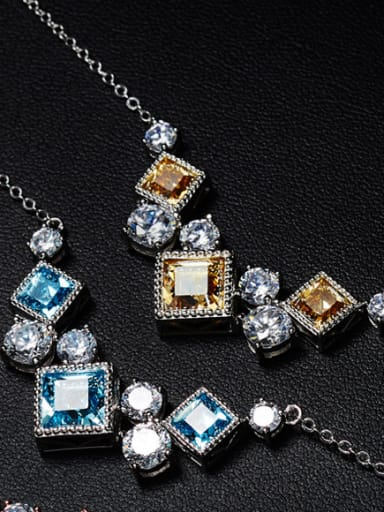 Diamond-shaped Crystals Necklace