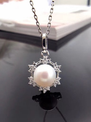 Freshwater Pearl Snowflake shaped Necklace