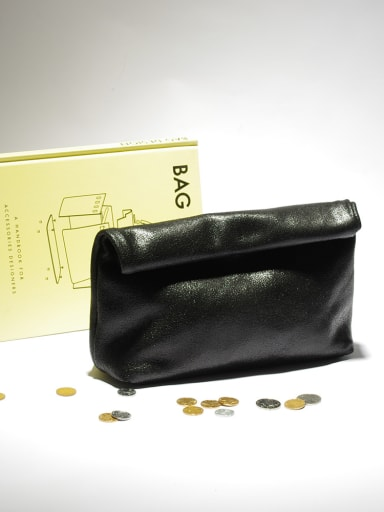 Minimalist design curling clutch bag