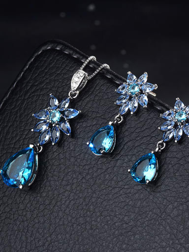 Copper With Platinum Plated Classic Flower 2 Piece Jewelry Set
