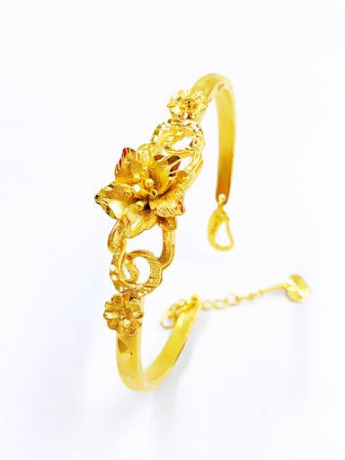 Elegant Flower Shaped Adjustable Bracelet