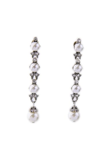 Artificial Pearls Elegant Drop Chandelier earring
