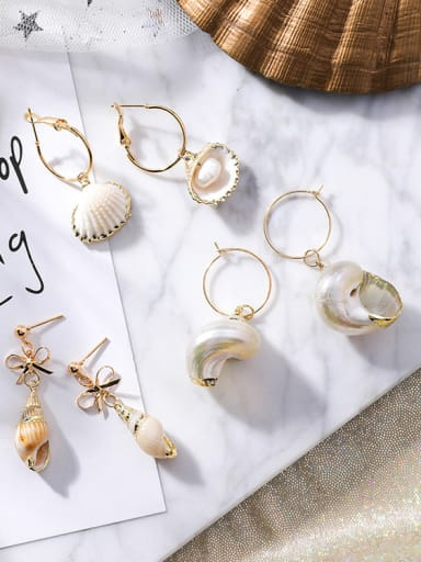 Alloy With Gold Plated Cute Shell Earrings