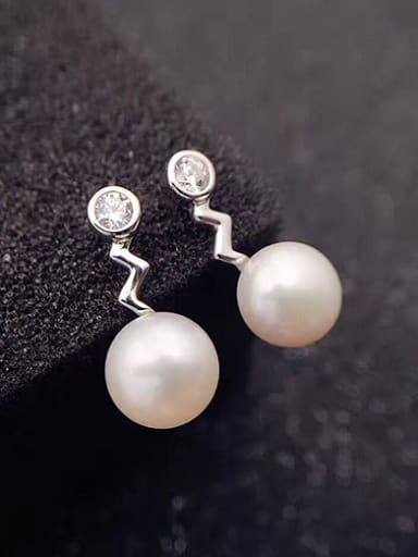 Fashion Freshwater Pearl Zigzag shaped Stud drop earring