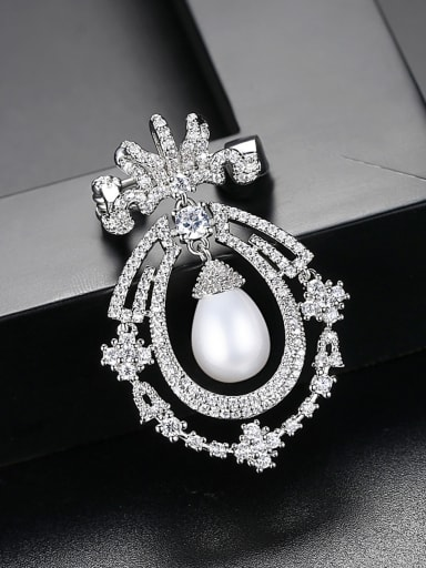 Copper inlaid AAA zircon pearl dinner Brooch