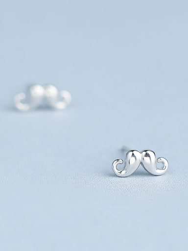 Exquisite Claw Shaped stud Earring