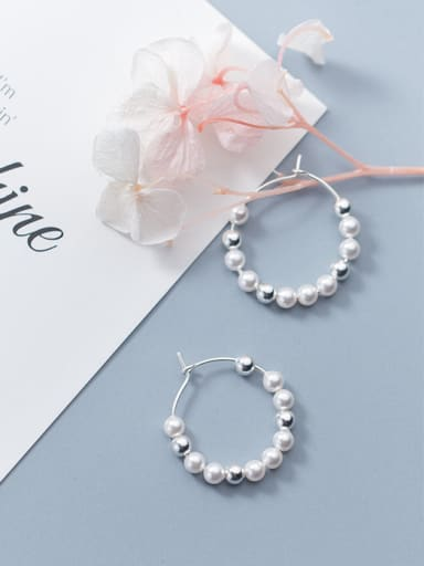 Sterling silver simple round synthetic pearl sweet earring
