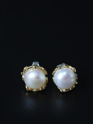 Sweet Freshwater Pearl stud Earring