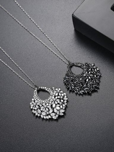 Fashion fan AAA zircon dinner Necklace Gift