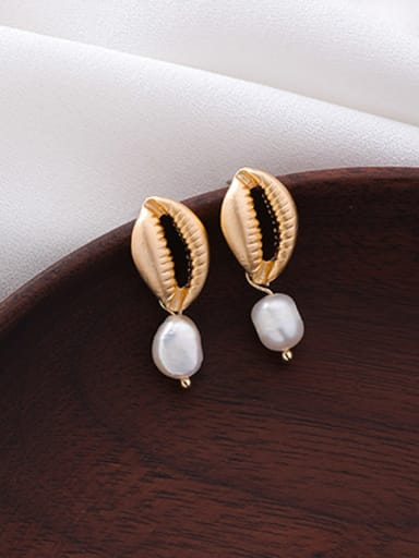 Alloy With Gold Plated Fashion  Imitation Pearl Mouth Earrings