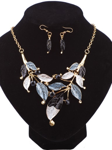 Retro Exquisite Leaves Pendant Cubic Rhinestones Alloy Two Pieces Jewelry Set