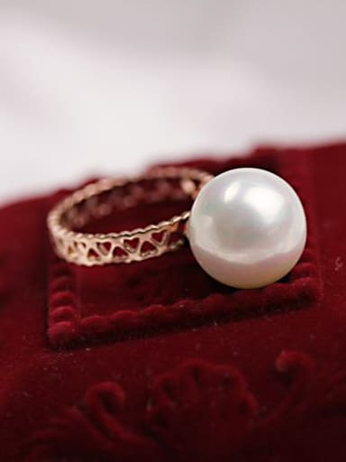 Retro Style Shell Pearl Ring