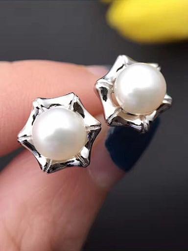Freshwater Pearl Star stud Earring