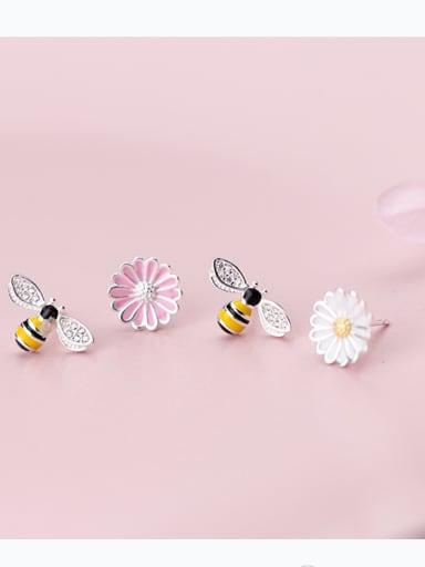 S925 white fungus, female sweet, sun flower, asymmetrical cute little bee ear nail E9381