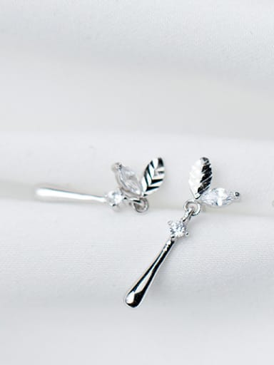 Fashionable Leaf Shaped S925 Silver Rhinestone Drop Earrings