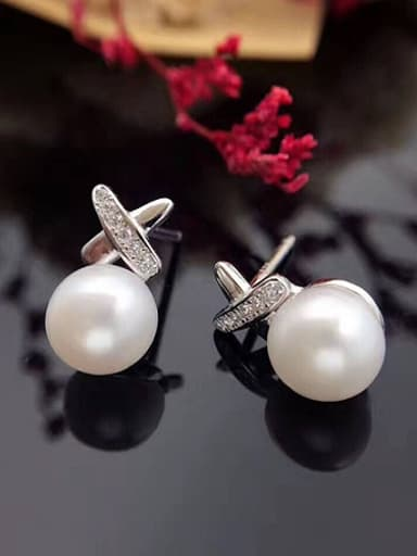 Simple Freshwater Pearl X-shaped stud Earring