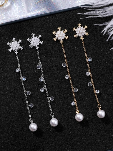 Alloy With  Cubic Zirconia Simplistic snowflake Drop Earrings